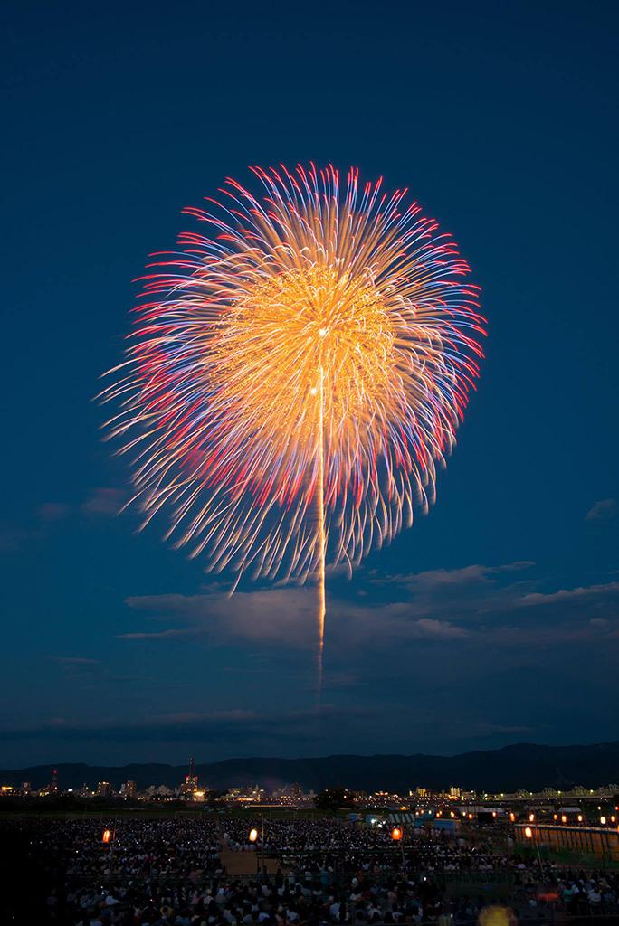 長岡花火-慰霊と復興の尺玉