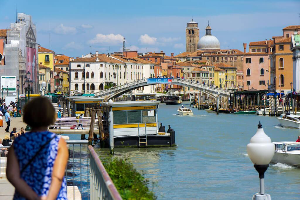 ヴェネチアの街と運河