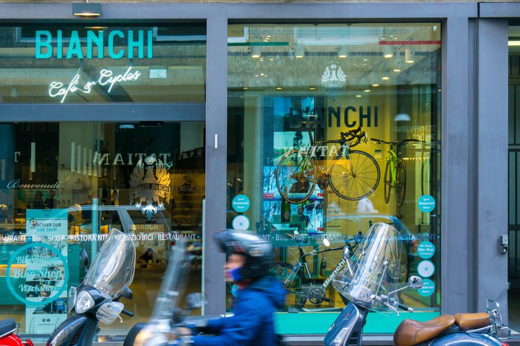 ビアンキ カフェ&サイクルズ(Bianchi Cafe MILANO)の外観