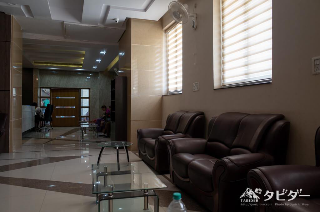 バラナシ駅の外国人専用の待合室