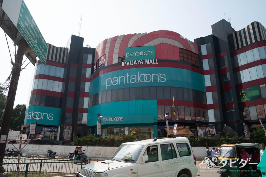 バラナシのショッピングモール「IP VIJAYA MALL」