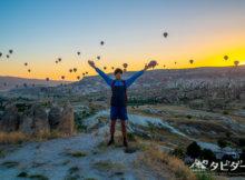 カッパドキアの朝日と気球