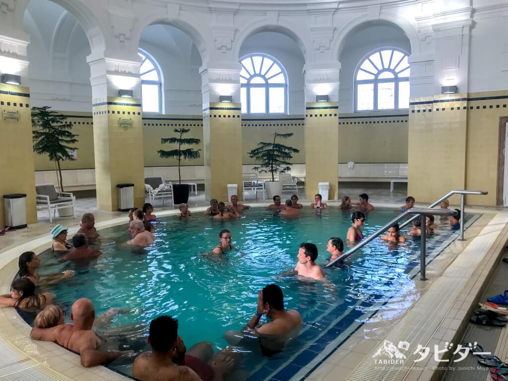 セーチェニ温泉の内風呂