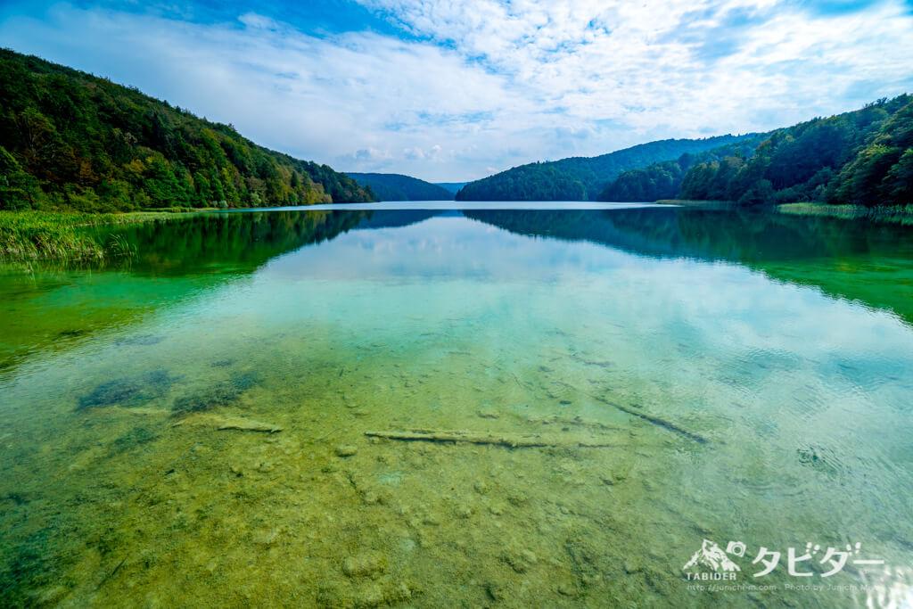 プリトヴィッツェ湖群国立公園の美しい湖(CルートのST3を少しだけ超えた先にある)
