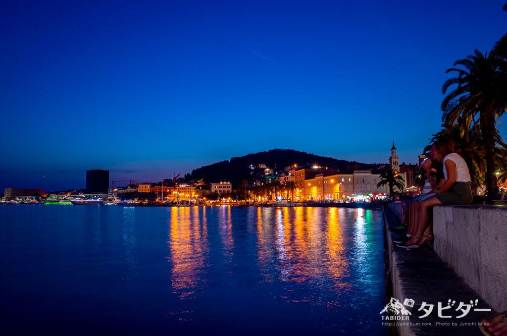 スプリットの港(夜景)