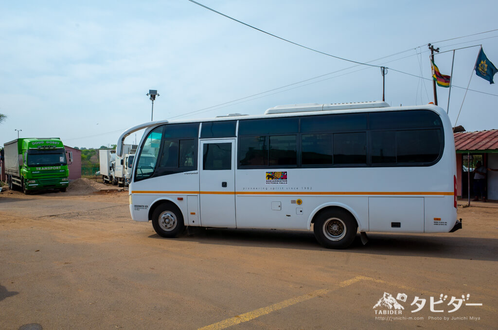 ボツワナのカサネに行くバス