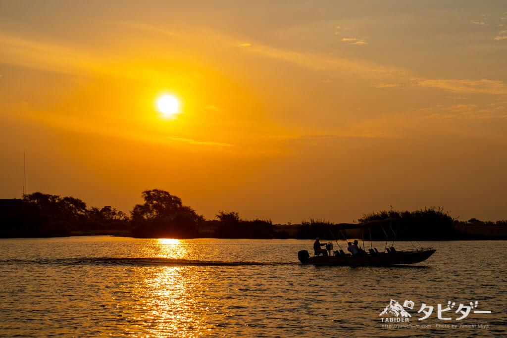 チョベ川と夕日