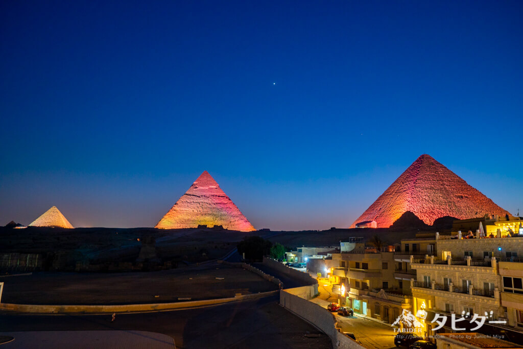 ピラミッドの光と音のショー