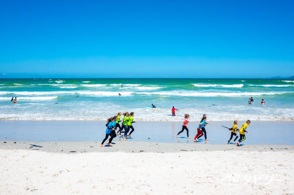 南アフリカ一、安全なビーチMuizenberg(ミューゼンバーグ)