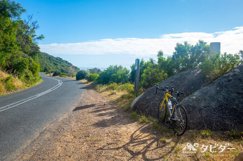 喜望峰までの道路と自転車