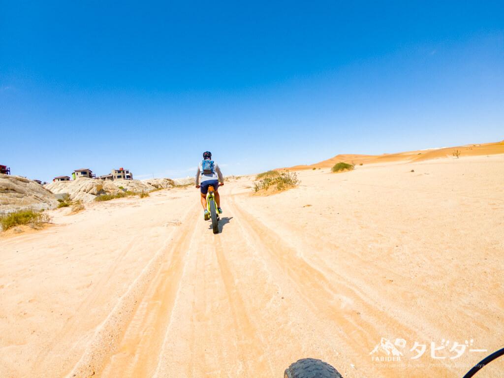 ナミビア・ナミブ砂漠のファットバイクツアー