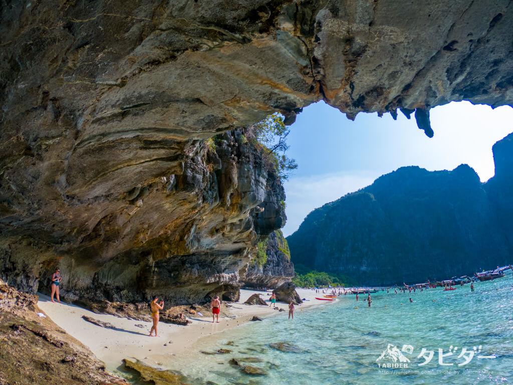 タイ・ピピ島の無人島&マヤベイツアー