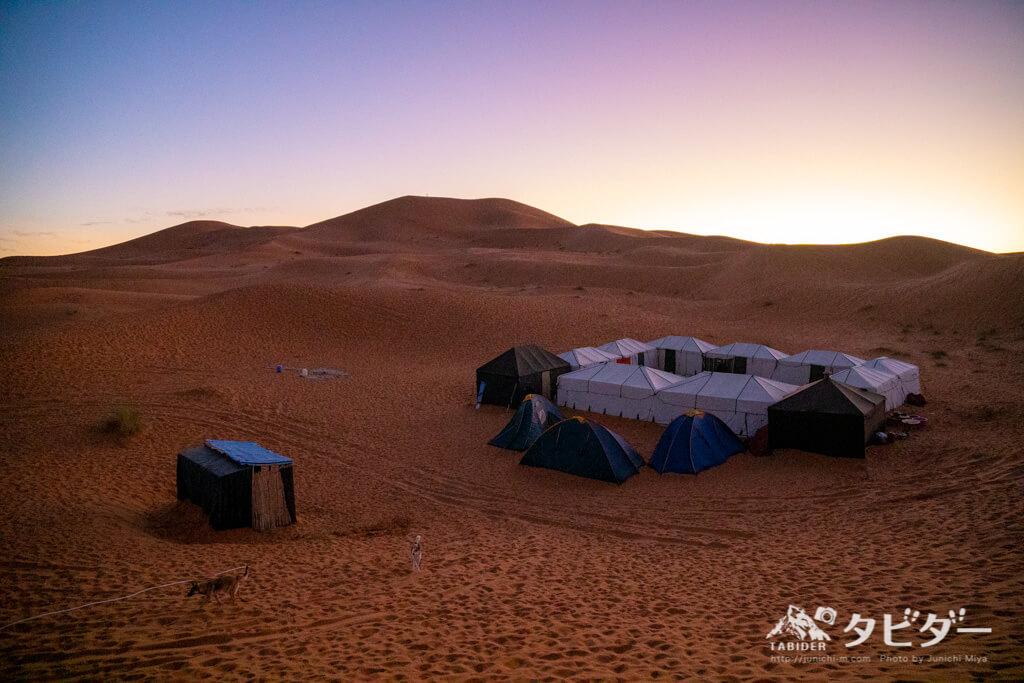 サハラ砂漠のキャンプベース