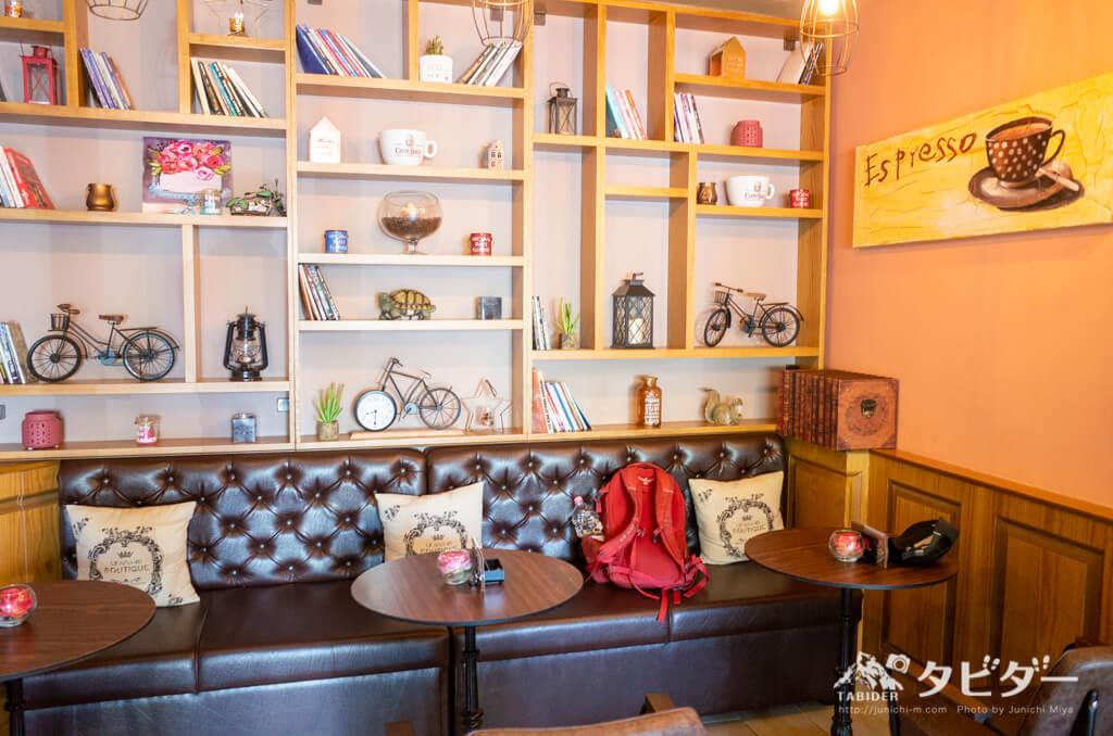 アルバニア(ティラーナ)のカフェ