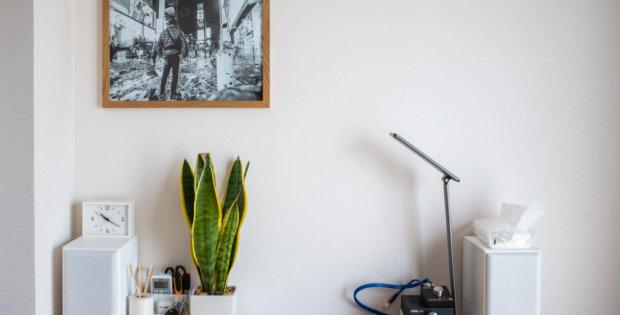 モノクロ写真と無印良品の壁に付けられるフレーム